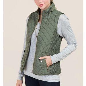 NWOT Black Francesca's Quilted Vest
